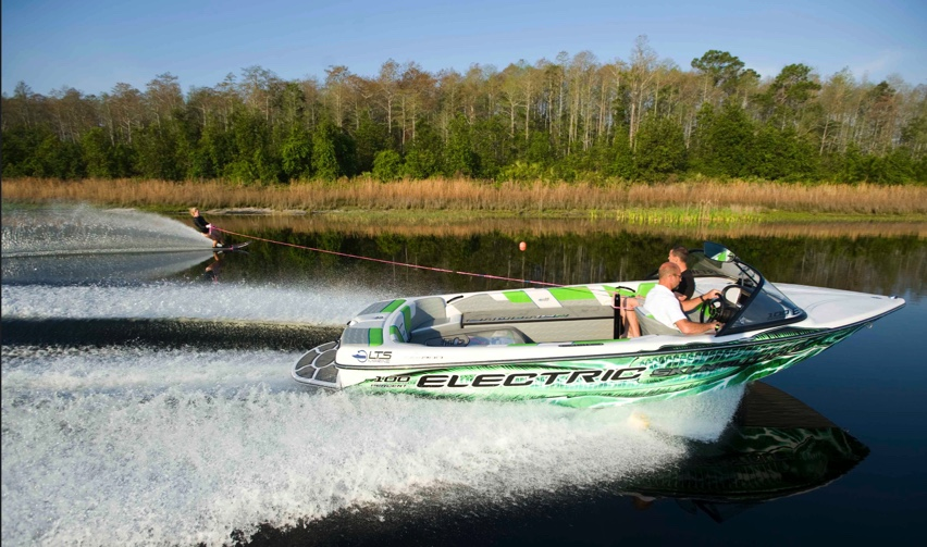 Waterski boat with LTS Marine 100% electric propulsion system